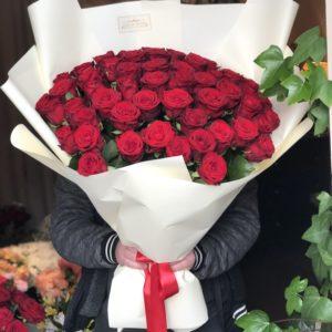 Duzy bukiet czerwonych róż