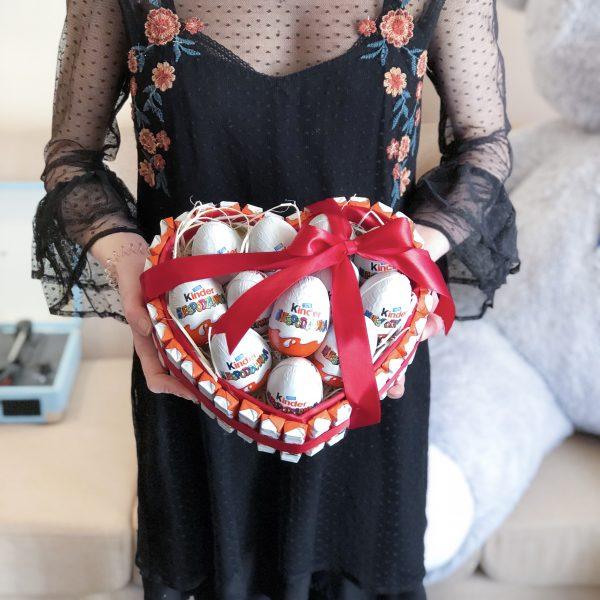 Pudełko w kształcie serca serce z kinderami